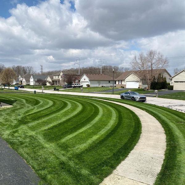 Burr Ridge lawn mowing service